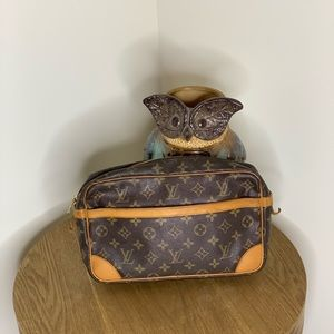 ⭐️SALE⭐️Authentic Louis Vuitton Compiegne 28
